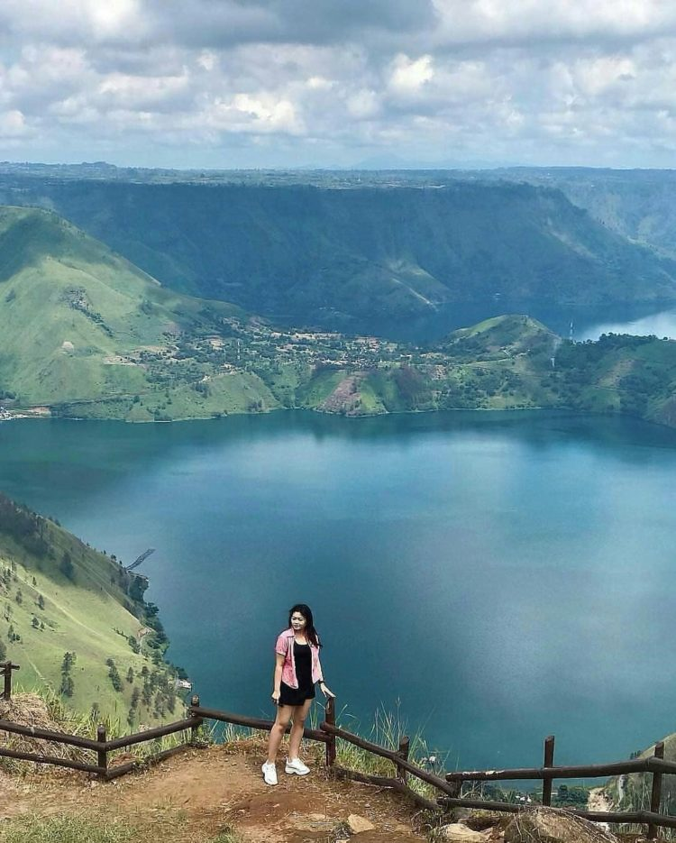 danau toba is an amazing
