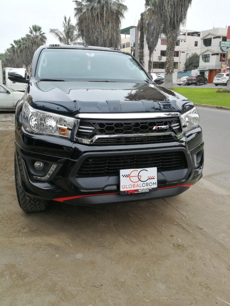 gambar mobil hilux double cabin