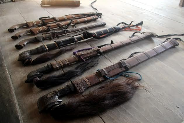 5+ Senjata Tradisional Sulawesi Tengah (NAMA & PENJELASAN)