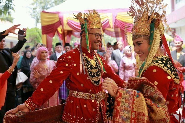 tari tradisional khas bengkulu bernama tari andun
